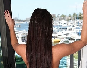 Yummywomen/The Marina View